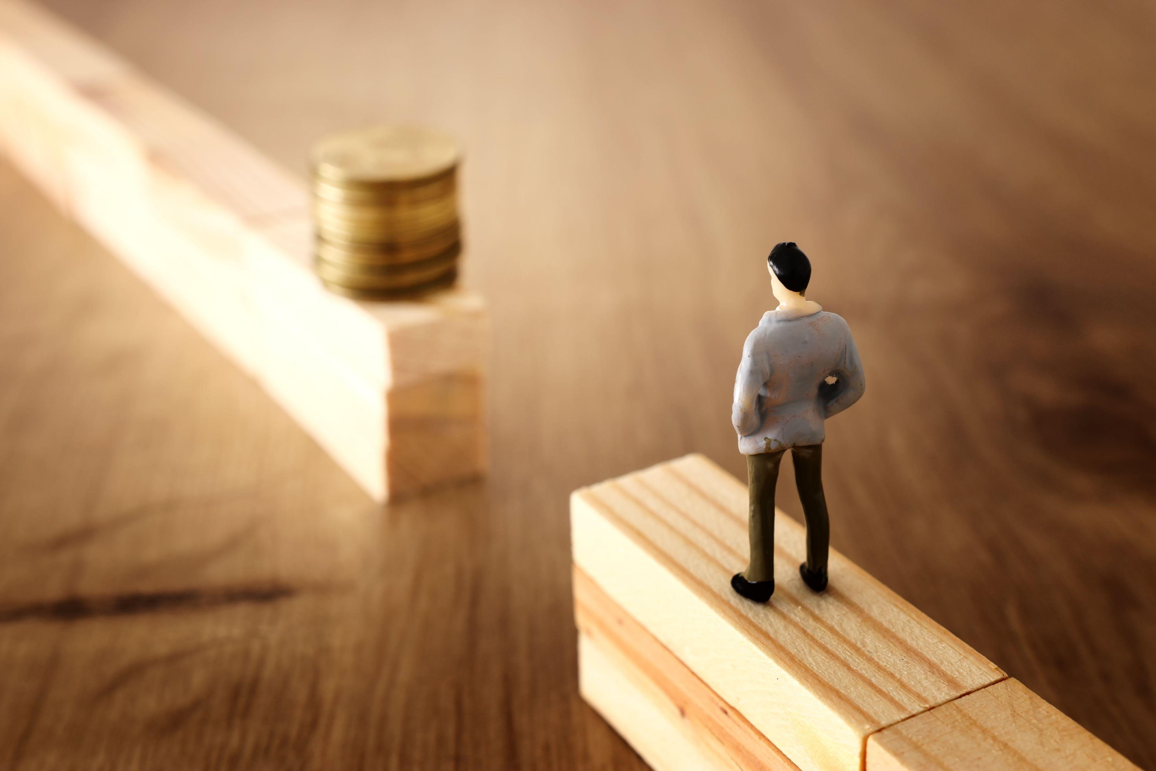 Przez ostatnie trzy lata wynagrodzenia w Polsce rosły realnie o 5,6 proc. rocznie. To jeden z najwyższych wskaźników dynamiki wśród krajów UE (Fot. Shutterstock)