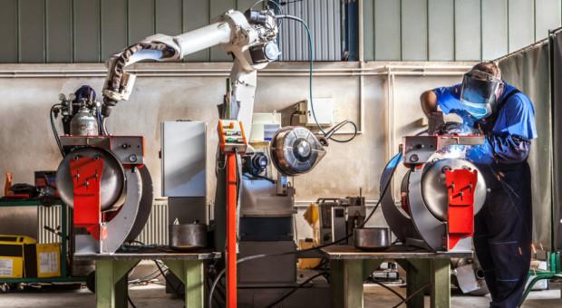 Czas obalić mity. Robotyzacja to nie tylko maszyny na linii produkcyjnej