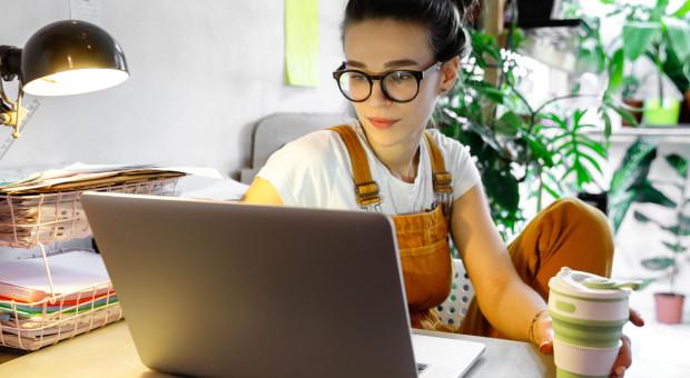Ile zostanie z pracy zdalnej? Coraz mniej osób pracuje z domu