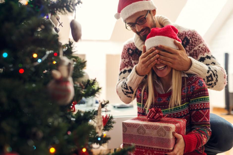Z badania Pracuj.pl wynika, że 56 proc. pracowników uważa, że przerwa świąteczna to dobra okazja do odpoczynku od zmartwień związanych z pracą w czasie pandemii (Fot. Shutterstock)