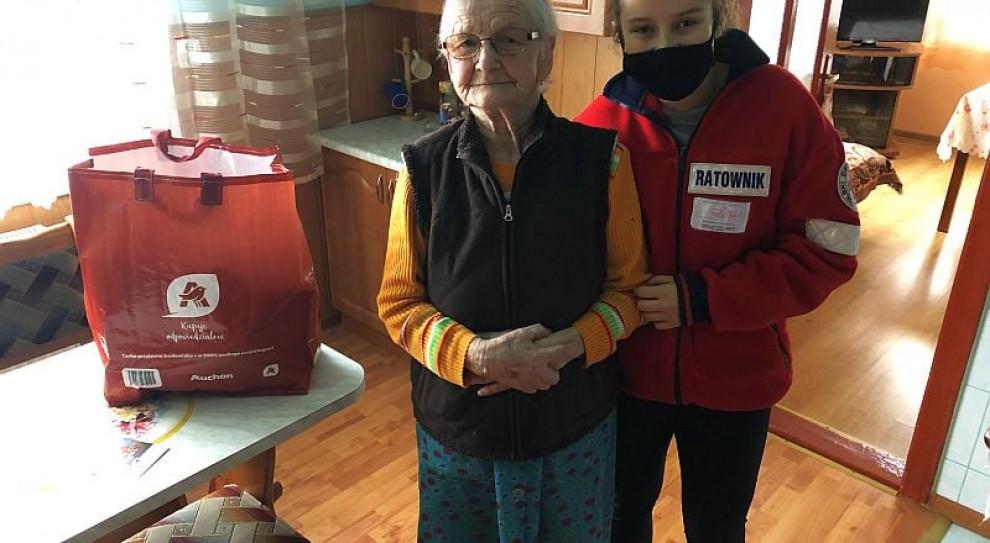 Auchan pomaga w czasie pandemii. Pomoc dla seniorów i służb medycznych