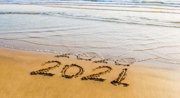 Długie weekendy w 2021 roku. Dobre planowanie da 139 dni bez pracy