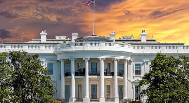 Fala dymisji w Białym Domu