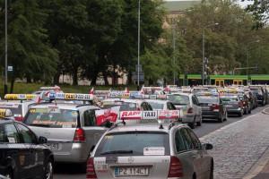 Taksówkarze krytykują Jurka Owsiaka. Nie spodobała im się jego decyzja
