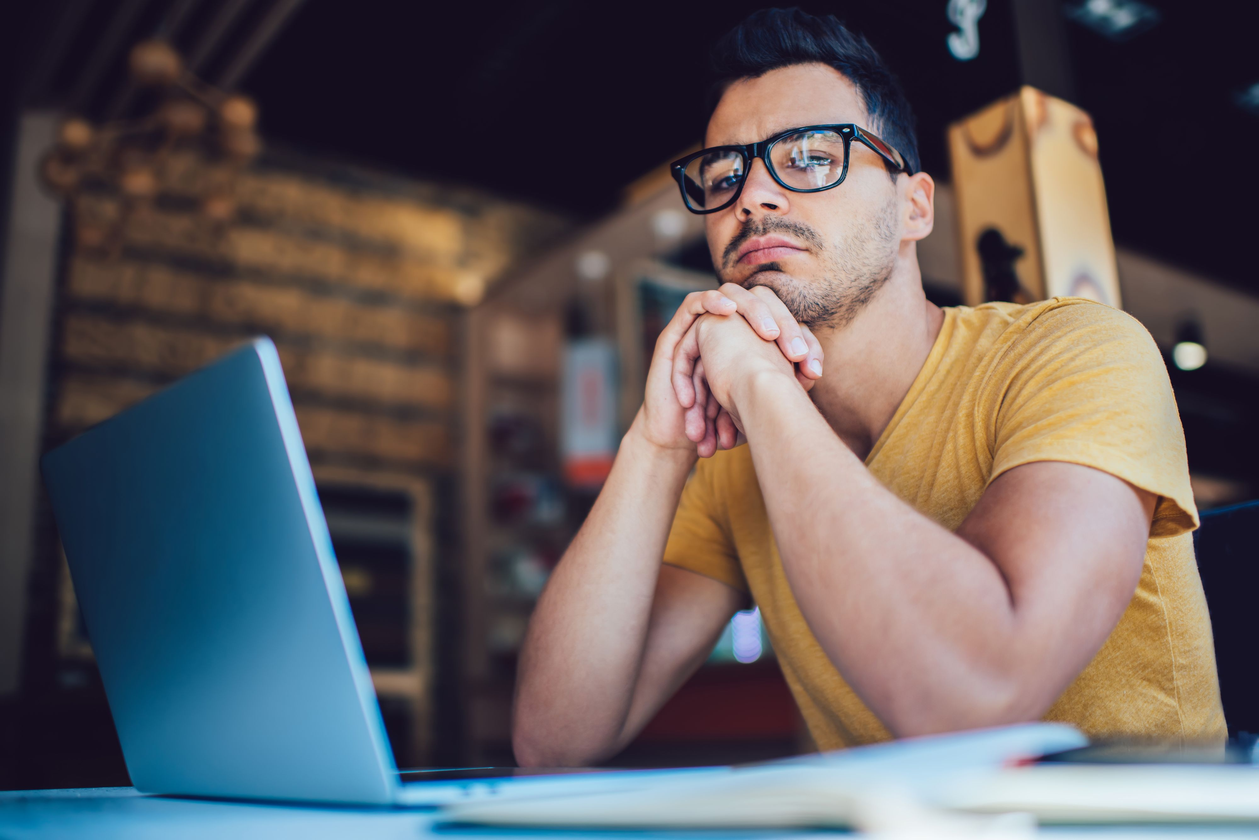 Od marca firmy mierzą się z wymuszonym testem pracy zdalnej (Fot. Shutterstock)