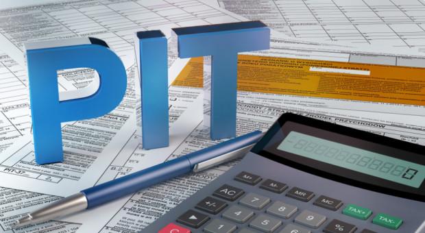 """Usługa """"Umów wizytę w urzędzie skarbowym"""" dostępna podczas kampanii PIT"""