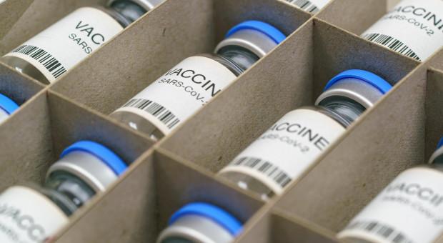 Aptekarz zniszczył setki szczepionek na koronawirusa
