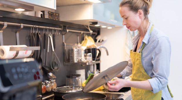 Pranie, sprzątanie, gotowanie, czyli co robimy pracując z domu
