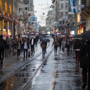 Pracodawcy przeciwni wyższym pensjom. Nie chcą nakazu z Brukseli