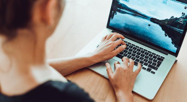 Ponad połowa przedsiębiorców zakłada firmy przez internet