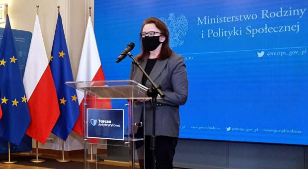 Uścińska: Dzięki podjętym działaniom nie doszło do zachwiania na rynku pracy