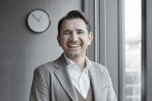 """""""W Polsce kształcimy roboty"""". Maciej Noga o stereotypach i przyszłości HR-u"""