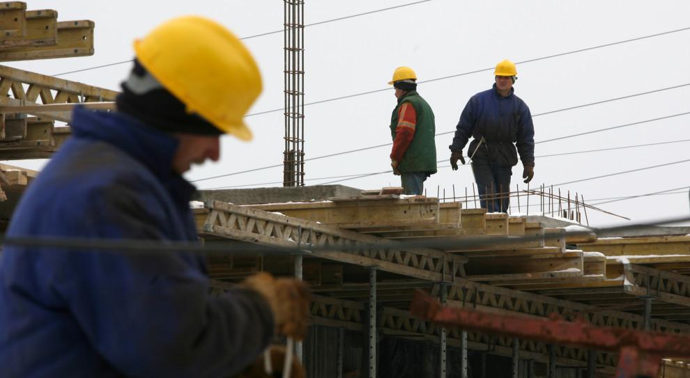 Specjalna klauzula blokująca wzrost płacy minimalnej. Tak chcą walczyć z kryzysem