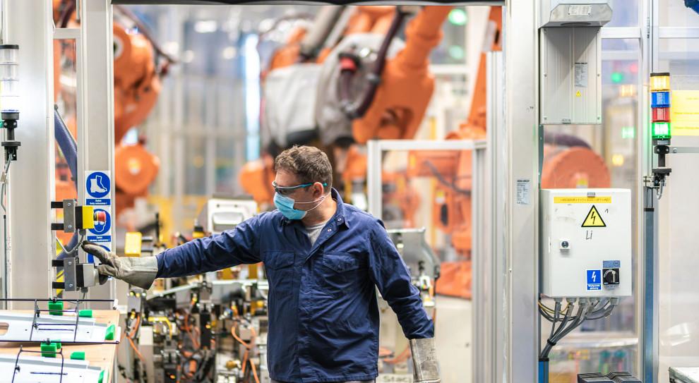 Volkswagen Poznań. Zdali test podczas pandemii, a zatrudniają 10 tys. pracowników