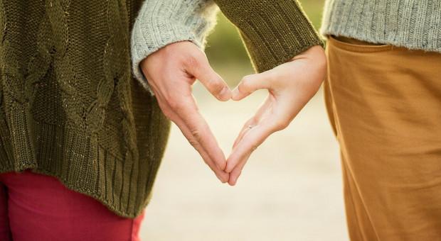 Wydatki par. Gorące uczucie nie gwarantuje posiadania wspólnego konta