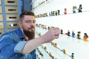 Klocki LEGO i rekrutacja? On to połączenie z powodzeniem stosuje od lat