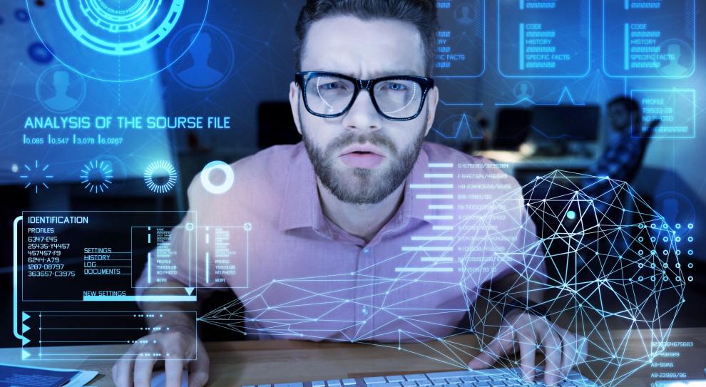 Rekrutacja w branży IT. Ofert pracy przybywa, a zarobki rosną