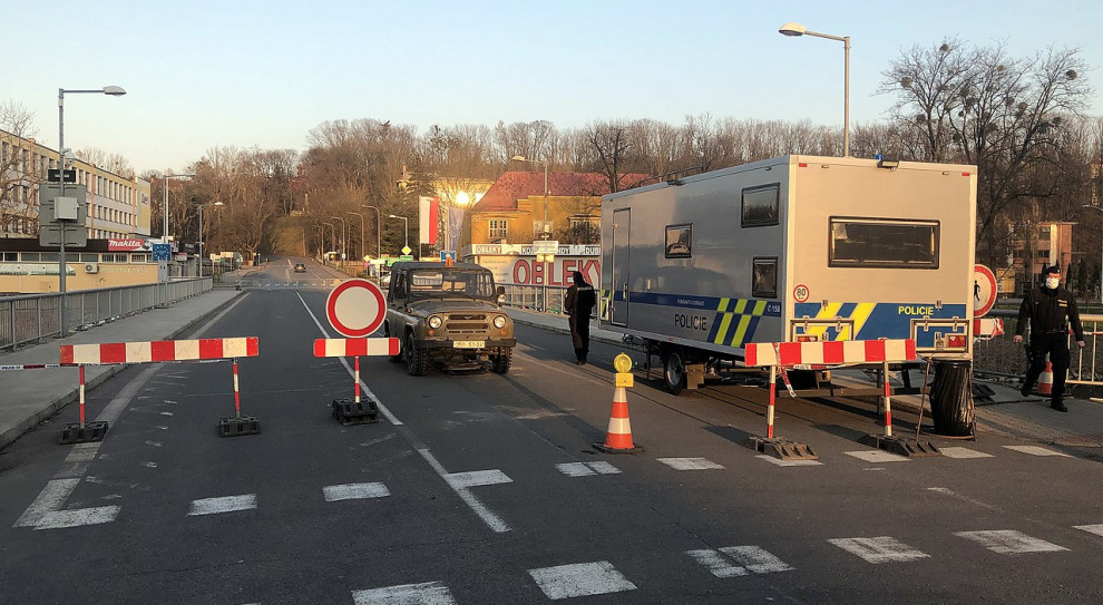Gorzka lekcja z pandemii. Kordon na polsko–czeskiej granicy uderzył w pracowników