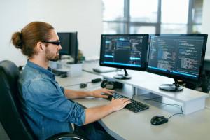 Coraz trudniej panować nad wynagrodzeniami w IT. Wzrost kosztów jest nieunikniony