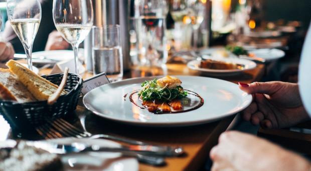 """Restauracja nie obsługuje polityków. """"Zapomnieli o branży gastronomicznej"""""""