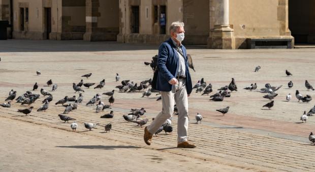 Pandemia COVID-19 zwiększa świadczenia nowych emerytów