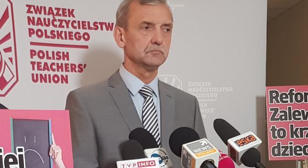 Broniarz: Oczekujemy kontynuacji szczepień nauczycieli i pracowników szkół