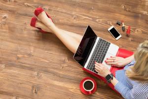 Trochę zdalnie, a trochę w biurze - to najlepszy model pracy