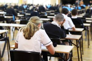 Uczelnie nie obniżą wymagań na studia