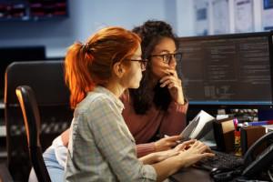 Co trzecia kobieta w IT przyszła z innej branży. Pieniądze nie są najważniejsze