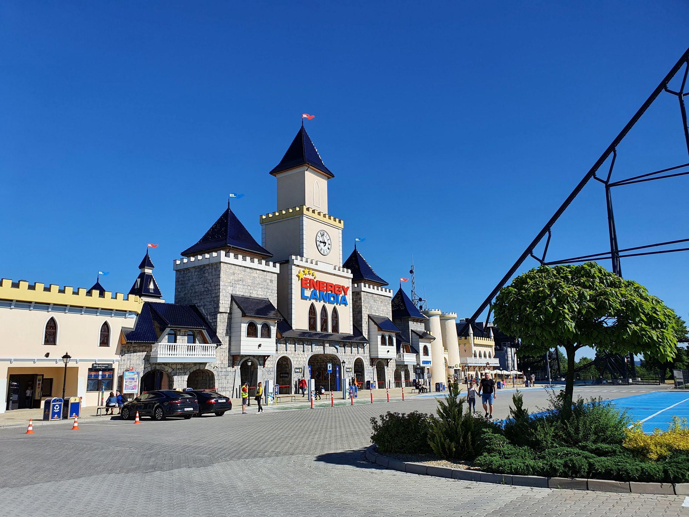 Do startu sezonu mocno szykuje się również Energylandia, największy w Polsce i jeden z największych w Europie park rozrywki, w którym na powierzchni 35 hektarów działa niemal 100 atrakcji. Fot. PTWP