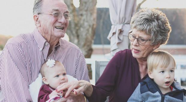 Opiekun seniora to zawód przyszłości? Owszem