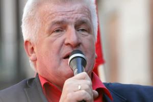 Piotr Ikonowicz chce być strażnikiem sumień