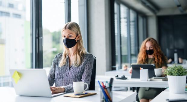 Coraz mniej firm boi się negatywnych skutków pandemii