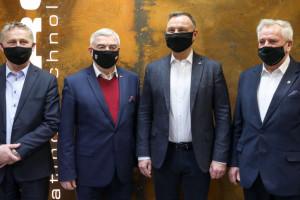 Prezydent: firmy w Polsce mogą się rozwijać dzięki oddanym pracownikom