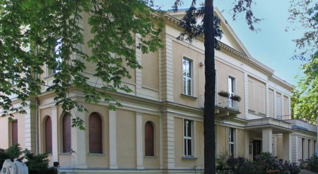 """Skandal w łódzkiej """"filmówce"""". Rektorka przeprasza studentów"""