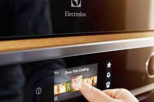 Electrolux odmraża inwestycje i zatrudnia w Polsce