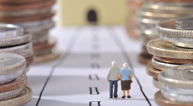 """Polacy nie chcą oszczędzać? """"Temat emerytur jest trudny. Zgubiliśmy zaufanie"""""""
