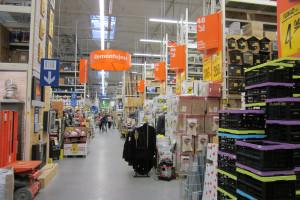 Handlowcy apelują o otwarcie dużych sklepów budowlanych i meblowych