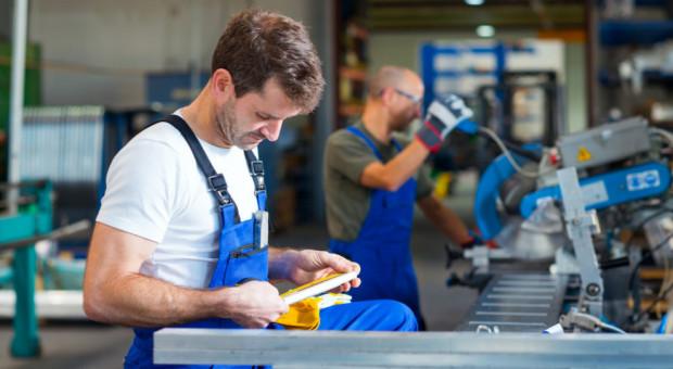 Rynek pracy w marcu: mniej zasiłków dla bezrobotnych
