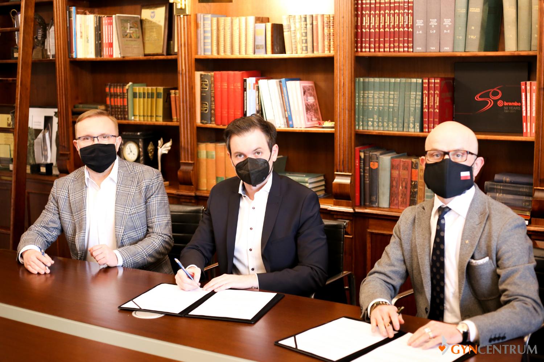 Porozumienia o współpracy między Laboratorium genetycznym Gyncentrum a KSSE (fot. Gyncentrum)