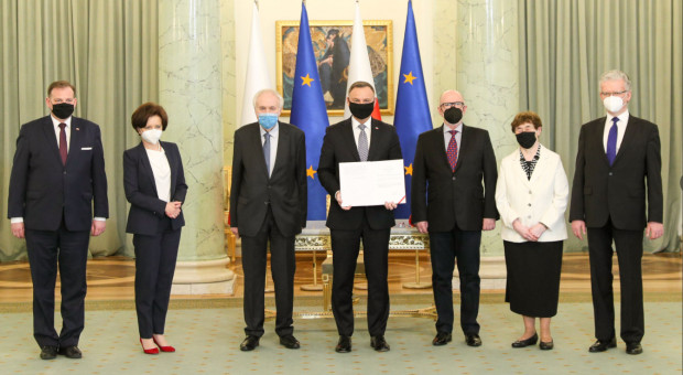 Dodatkowe 5 dni urlopu i szersza pomoc dla wyjątkowych obywateli Polski