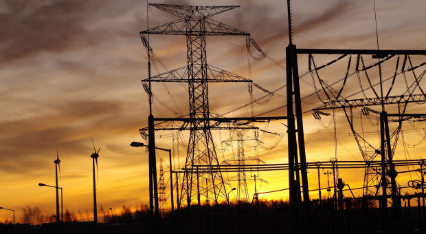 Praca i wynagrodzenie w energetyce. Branża się rozwija, rekrutuje na potęgę