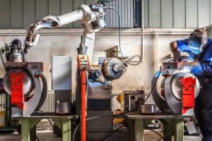 Automatyzacja nabiera rozpędu. Powstanie więcej nowych miejsc pracy
