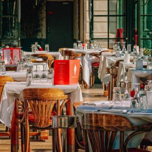 Branża walczy o przetrwanie. Chce, by firmy płaciły 400 zł za obiady dla pracowników