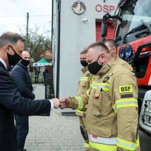 Prezydent: Strażacy ochotnicy są sercem polskiej straży