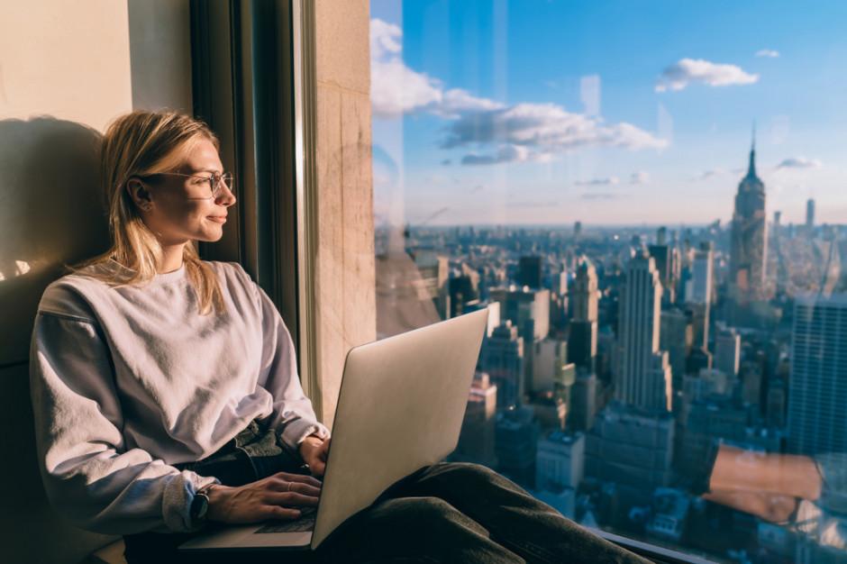 Podczas pracy zdalnej pozbycie się rozpraszaczy jest tak samo ważne jak jej dobra organizacja (Fot. Shutterstock)