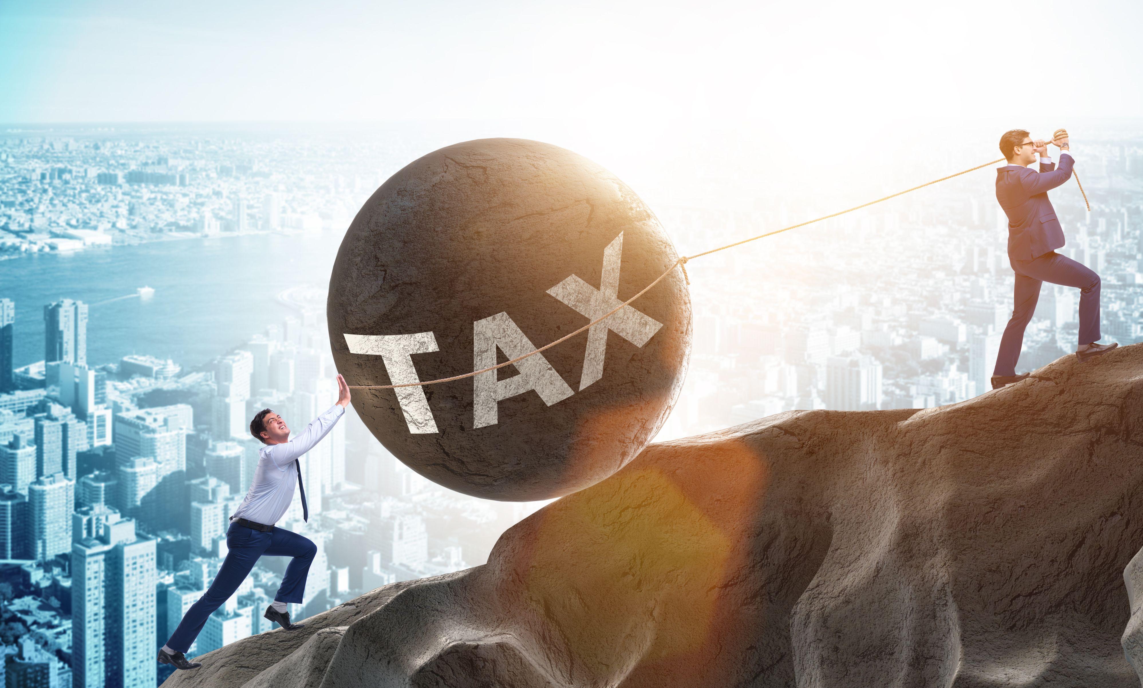 Zmiany w systemie podatkowym uderzą w prowadzących działalność gospodarczą i tych z najwyższymi dochodami (Fot. Shutterstock)