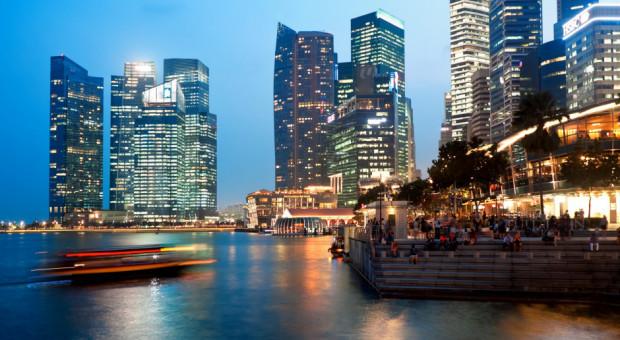 Miliarderzy uciekają przed kryzysem do Singapuru