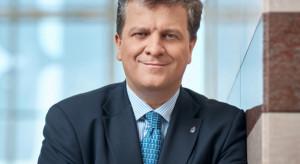 Menedżer, kawaler maltański, szlachcic. Kim jest sternik największego banku w Polsce?