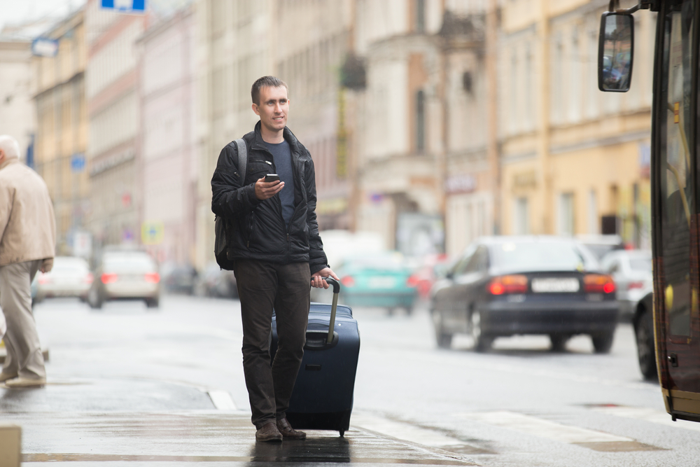 Liczba ofert pracy zagranicznej systematycznie rośnie, ale - jak wynika z analiz Randstad - wciąż jeszcze nie są to liczby sprzed pandemii (Fot. Shutterstock)